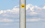 Swinging Lamposts M62