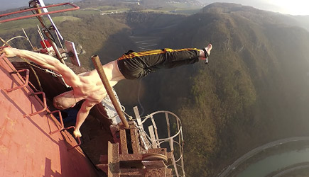 Dominik Sky - Human Flag On 360 Meters