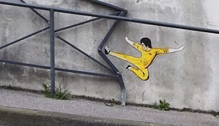 Awesome Street Art, Vandalism