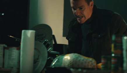 Corridor Digital - Jason Bourne Cooks Thanksgiving