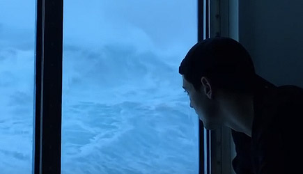 Anthem Of The Seas Vs Hugh Waves And 120 MPH Winds On Third Deck