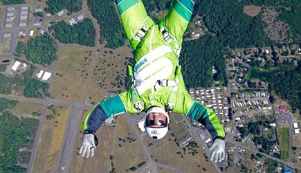 Luke Aikins 25.000 Feet No Parachute Airplane Jump