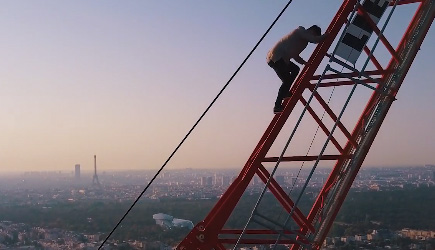 James Kingston - I Climbed The Tallest Crane In Paris (230M)