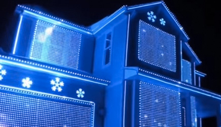 Most EPIC Home Christmas Light Shows (2018)