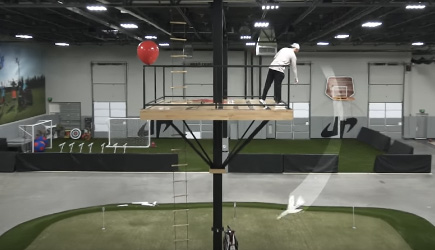Dude Perfect - Airplane Trick Shots (2)